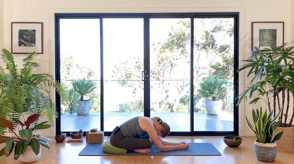 Hero Image Yoga for Runners (55min) with Nicole
