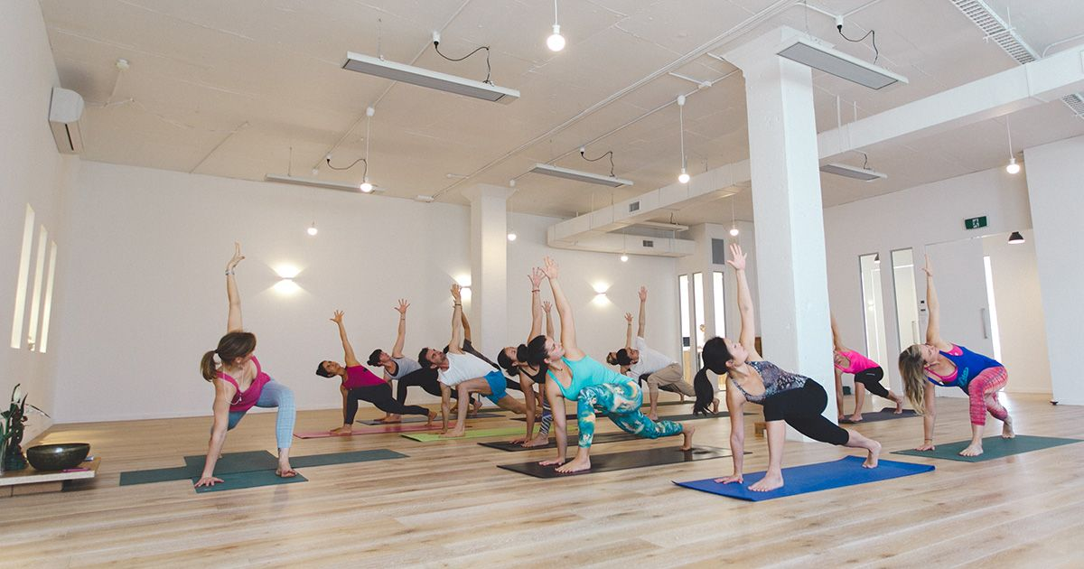 Hero Image InYoga 200hr Teacher Training- If you can't smile, you're not really doing yoga.