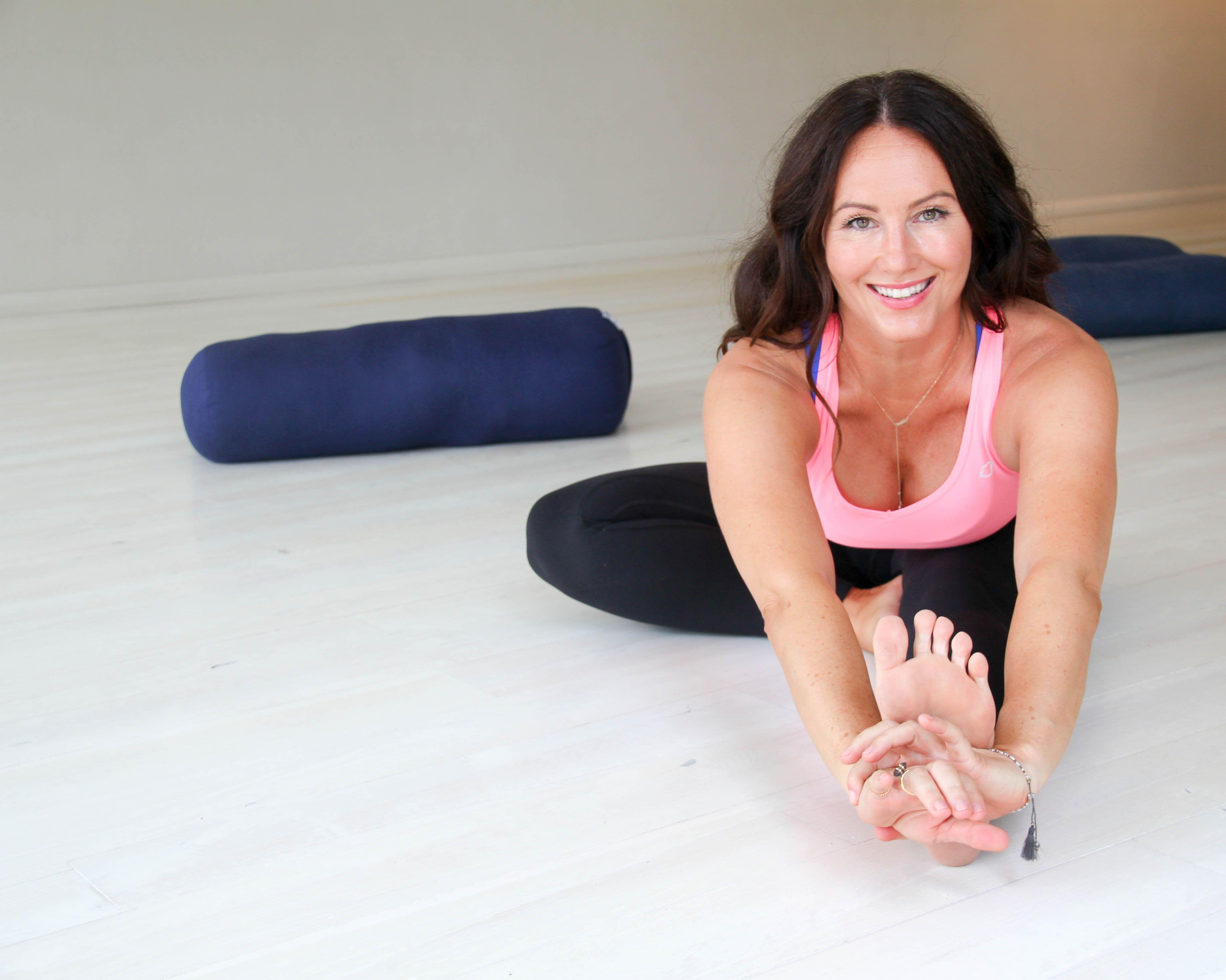 Hero Image Advanced Yin Yoga Teacher Training November with Melanie McLaughlin